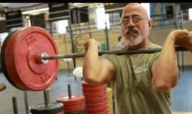 'Vovô do CrossFit' faz treino insano para comemorar 78 anos